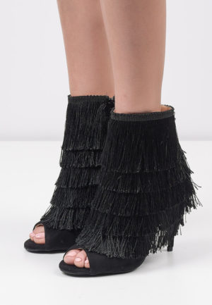 Botine Peep-toe Pencil Negre pentru femei elegante si pline de stil