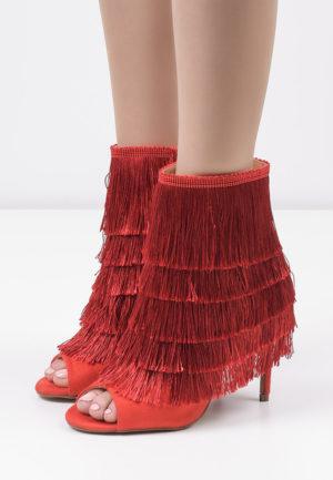 Botine Peep-toe Pencil Rosii pentru femei elegante si pline de stil