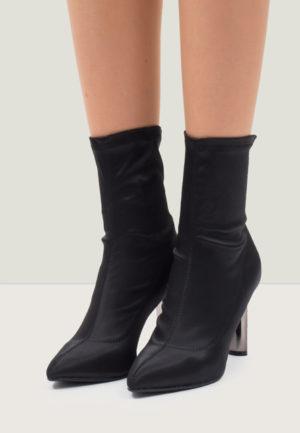 Botine cu toc Tunde Negre pentru femei elegante si pline de stil