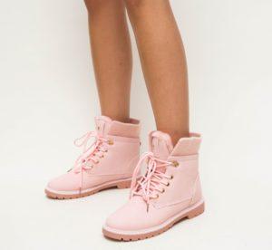 Ghete dama roz imblanite si calduroase pentru zile reci de iarna Mirabel