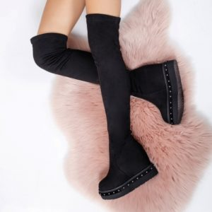 Cizme negre elegante lungi peste genunchi cu platforma inalta si blanita calduroasa pe interior Sihani
