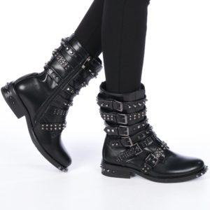 Cizme negre de dama ieftine decorate cu tinte si aplicatii metalice echipate cu toc de 3.5cm Korinna