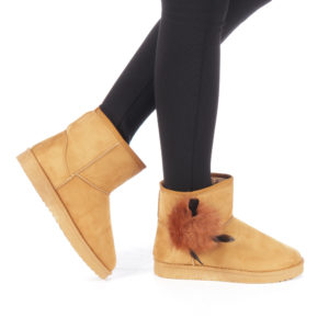 Cizme ieftine de dama Liliana camel model slip-on cu incaltare rapida decorate cu pene si imblanite