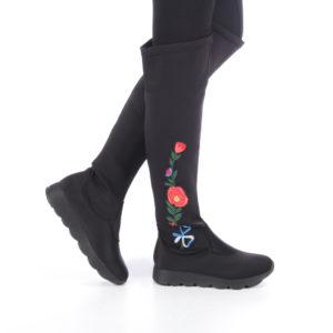 Cizme de dama negre din material textil inalte pana la genunchi Norina negre cu imprimeu floral